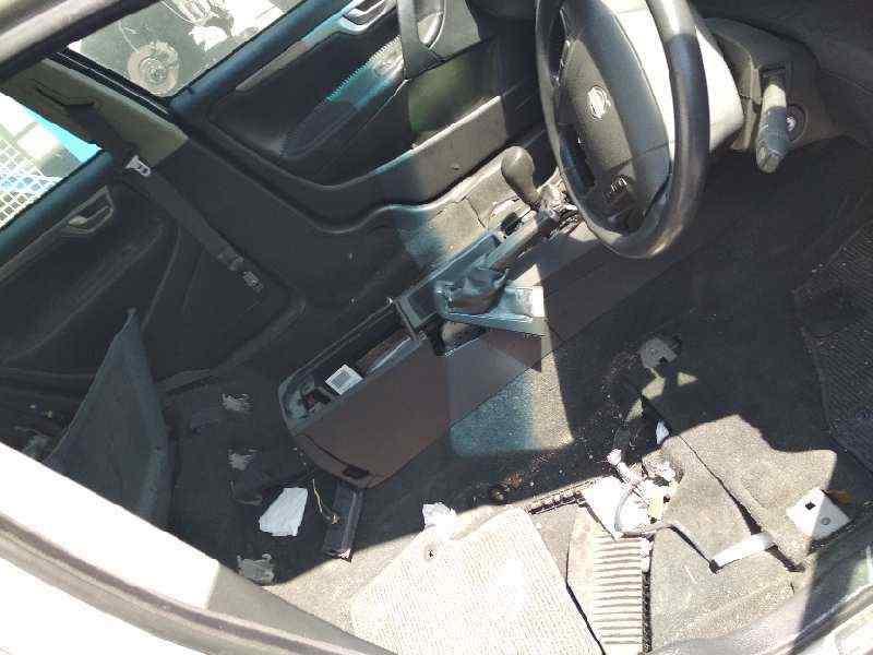 VOLVO XC70 D5 AWD Kinetic (136kW)  2.4 Diesel CAT (185 CV) |   05.05 - 12.07_img_5