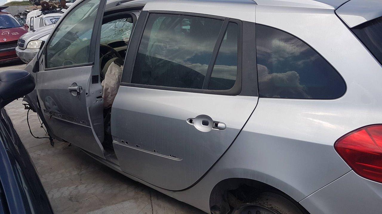 PILOTO TRASERO IZQUIERDO PARAGOLPES RENAULT CLIO GRANDTOUR Dynamique  1.5 dCi Diesel CAT (86 CV) |   0.08 - ..._img_4