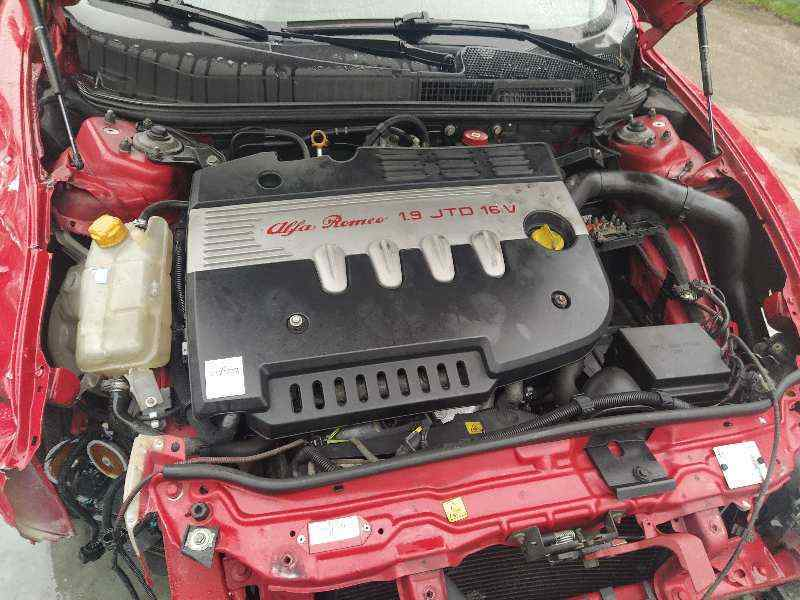 ALFA ROMEO GT (125) 1.9 JTD 16V 150/ Distinctive   (150 CV) |   01.04 - 12.06_img_4
