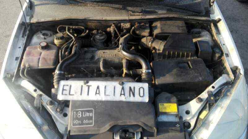 FORD FOCUS BERLINA (CAK) Ghia  1.8 TDDI Turbodiesel CAT (90 CV) |   08.98 - 12.02_img_0