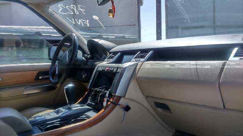 LAND ROVER RANGE ROVER SPORT V6 TD HSE Black&White  2.7 Td V6 CAT (190 CV) |   08.08 - ..._img_5