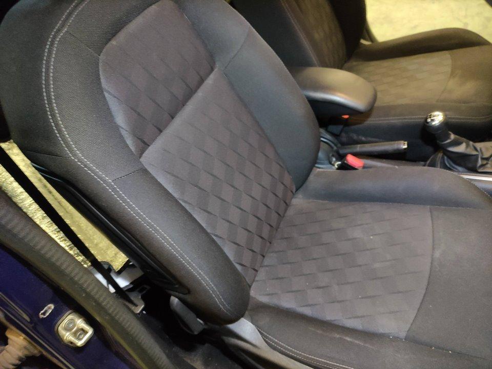 PILOTO TRASERO IZQUIERDO NISSAN ALMERA (N16/E) Acenta  2.2 dCi Diesel CAT (112 CV) |   10.02 - 12.04_img_2