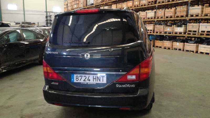 SSANGYONG RODIUS Xdi Limited AWD  2.7 Turbodiesel CAT (163 CV) |   05.05 - 12.15_img_2