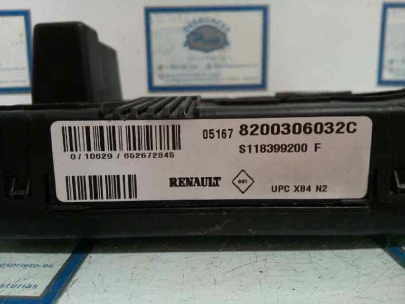 CAJA RELES / FUSIBLES RENAULT SCENIC II Confort Dynamique  1.6 16V (113 CV)     06.03 - 12.05_img_1