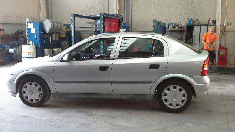 OPEL ASTRA G BERLINA Club  1.6  (75 CV) |   02.98 - 12.00_img_2