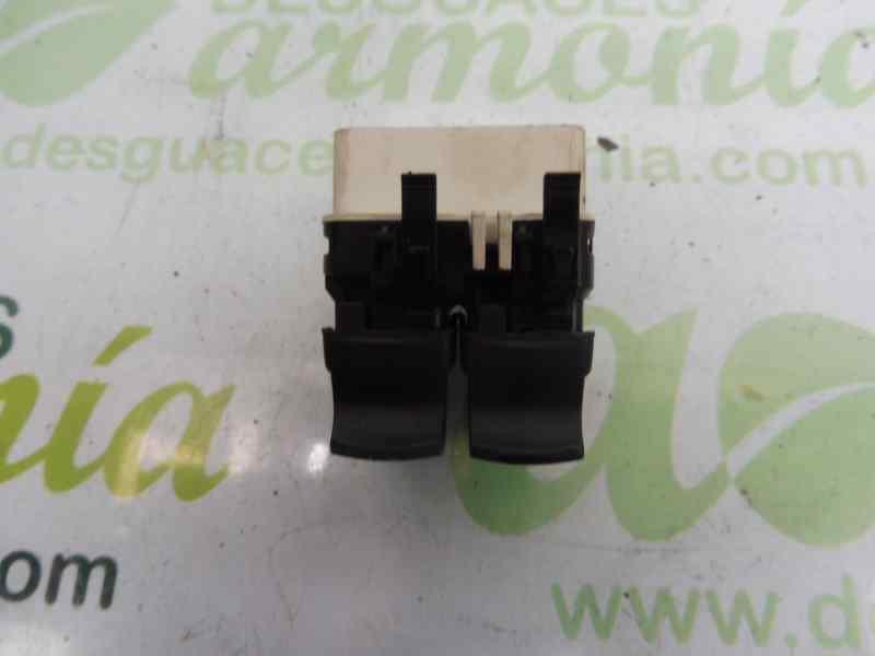 MANDO ELEVALUNAS DELANTERO IZQUIERDO  RENAULT CLIO III Confort Dynamique  1.5 dCi Diesel (106 CV) |   09.05 - 12.06_img_4