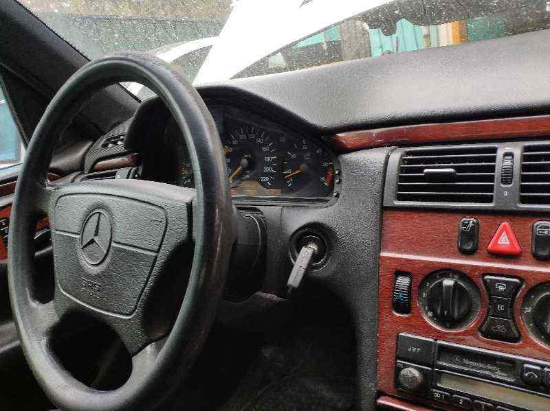 MERCEDES CLASE E (W210) BERLINA DIESEL 300 Diesel (210.020)  3.0 Diesel CAT (136 CV) |   05.96 - ..._img_1