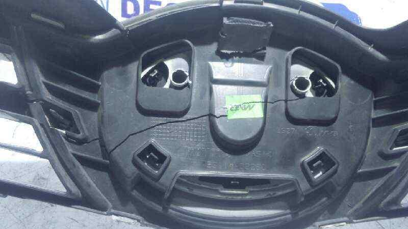 REJILLA DELANTERA TOYOTA AURIS Active  1.4 Turbodiesel CAT (90 CV)     09.12 - 12.15_img_1