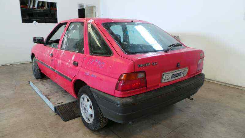 FORD ESCORT BERLINA/TURNIER CLX Berlina  1.6 16V CAT (88 CV) |   08.90 - ..._img_3