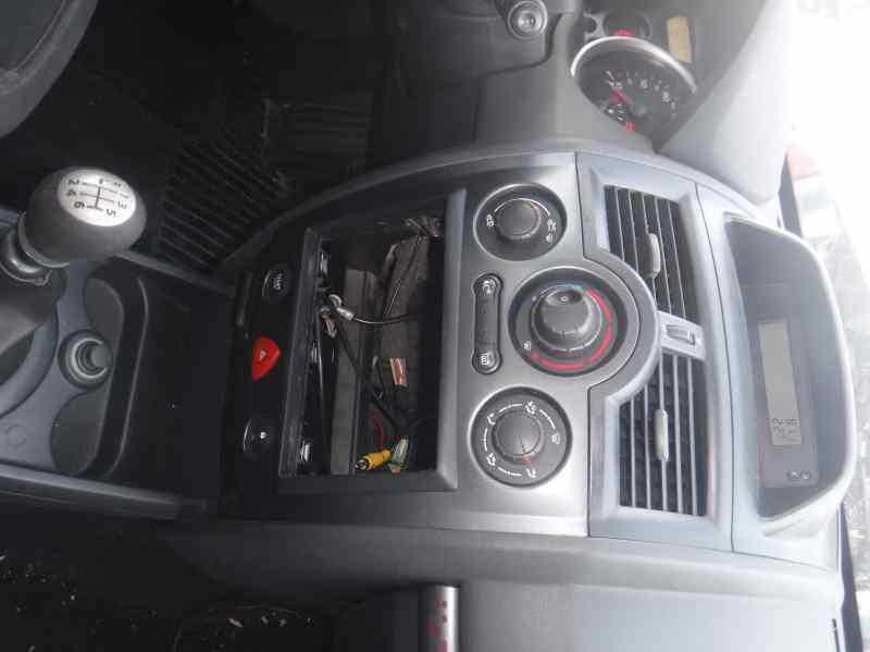 RENAULT MEGANE II BERLINA 5P Authentique  1.5 dCi Diesel (106 CV) |   06.05 - ..._img_1