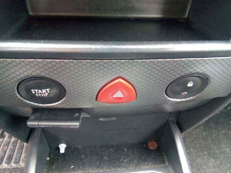 RENAULT MEGANE II BERLINA 5P Luxe Privilege  1.5 dCi Diesel (101 CV) |   07.02 - 12.05_img_3