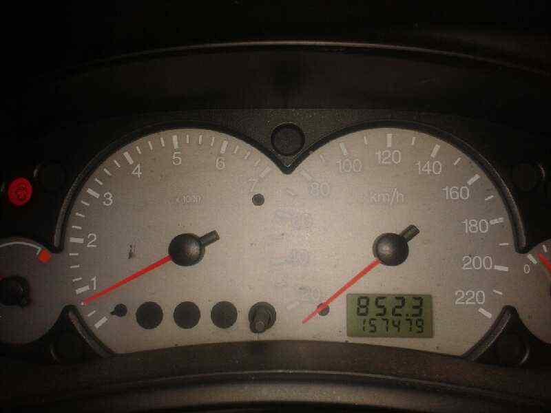 FORD FOCUS BERLINA (CAK) Ambiente  1.8 TDDI Turbodiesel CAT (90 CV)     08.98 - 12.04_img_5