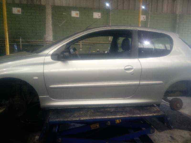PEUGEOT 206 BERLINA XT  1.9 Diesel (69 CV) |   12.98 - 12.02_img_2