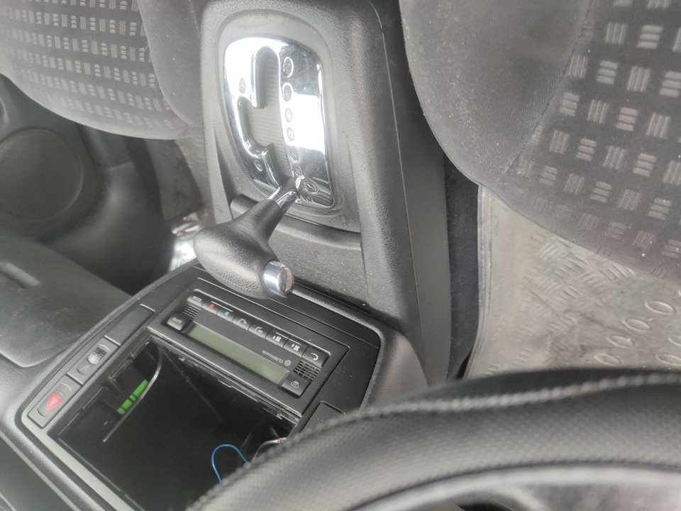 VOLKSWAGEN PASSAT VARIANT (3B6) V6 TDI Comfortline Family  2.5 V6 TDI (150 CV)     05.02 - ..._img_3