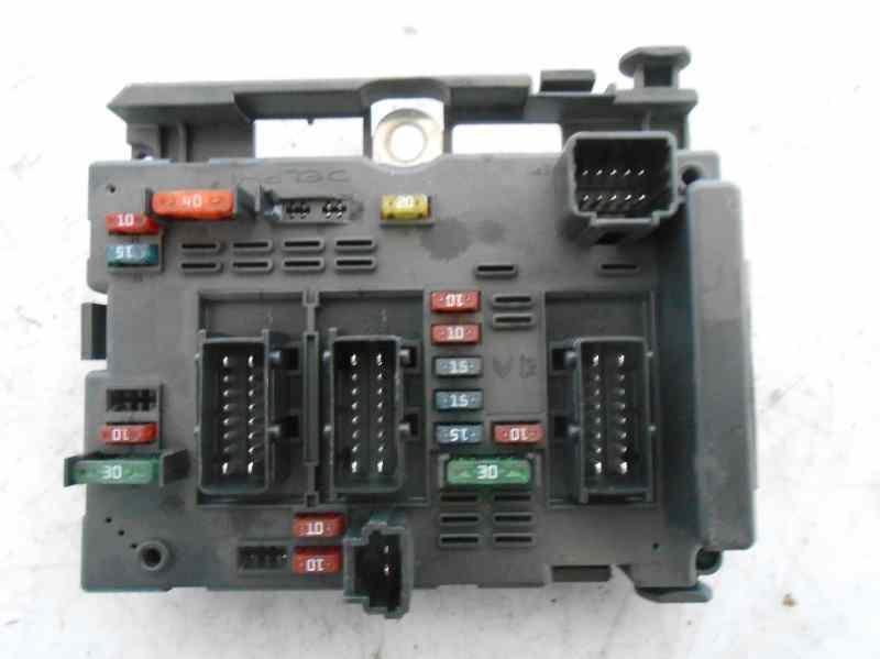 Recambio de caja reles fusibles de peugeot 206 berlina 1 for Caja aire acondicionado