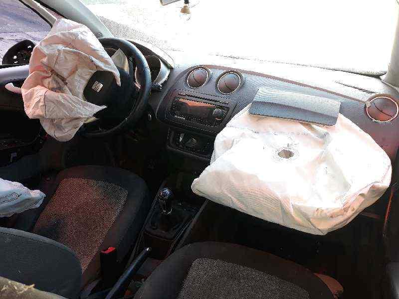 SEAT IBIZA (6J5) Stylance / Style  1.6 TDI (90 CV) |   02.08 - 12.15_img_4