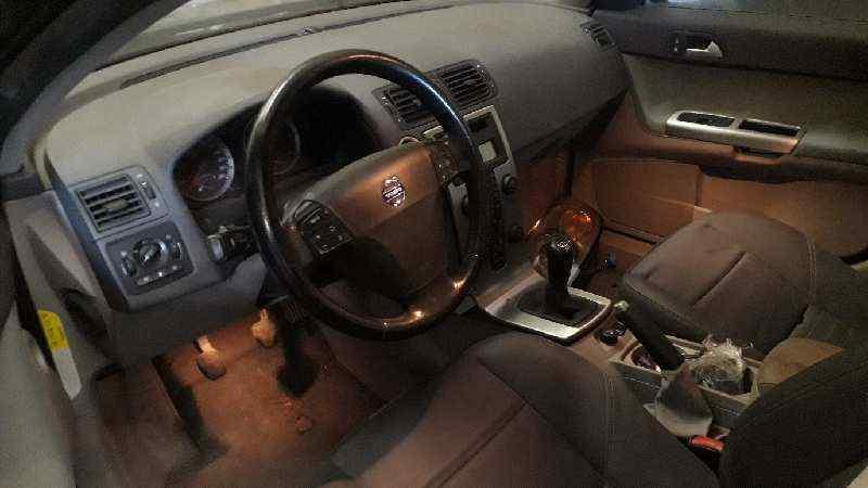 VOLVO V50 FAMILIAR D4 Kinetic  2.0 Diesel CAT (177 CV) |   04.10 - ..._img_1