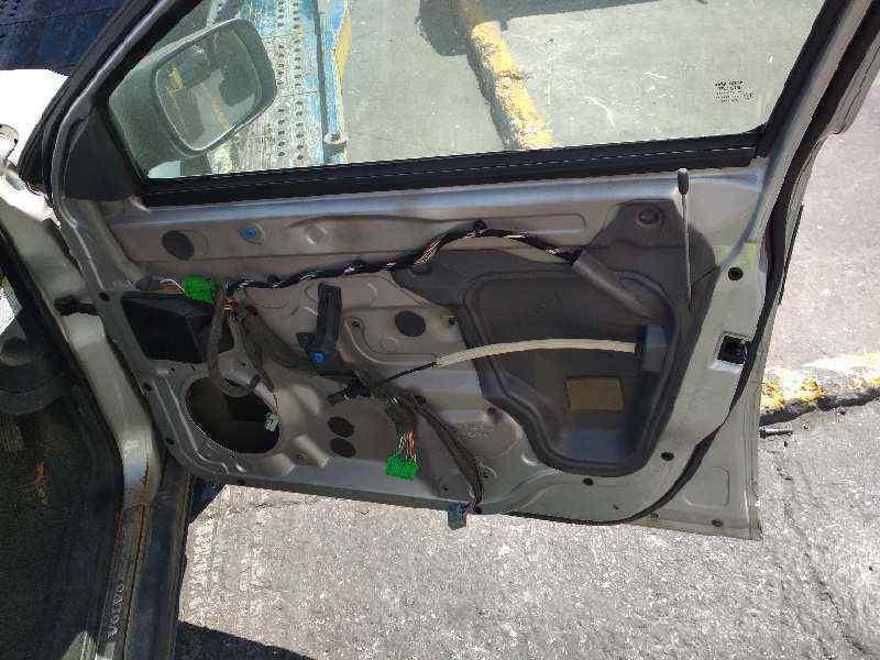 VOLVO XC70 D5 AWD Kinetic (136kW)  2.4 Diesel CAT (185 CV) |   05.05 - 12.07_img_4