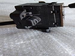 caja reles / fusibles renault megane ii berlina 5p dynamique  1.5 dci diesel (101 cv) 2004- 8200306033B