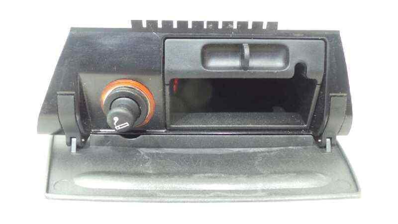 CENICERO FORD FOCUS CABRIO (CA5) Titanium (02.2008->)  2.0 CAT (146 CV) |   01.08 - 12.15_img_2