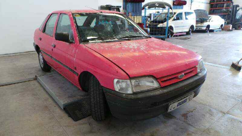FORD ESCORT BERLINA/TURNIER CLX Berlina  1.6 16V CAT (88 CV) |   08.90 - ..._img_0