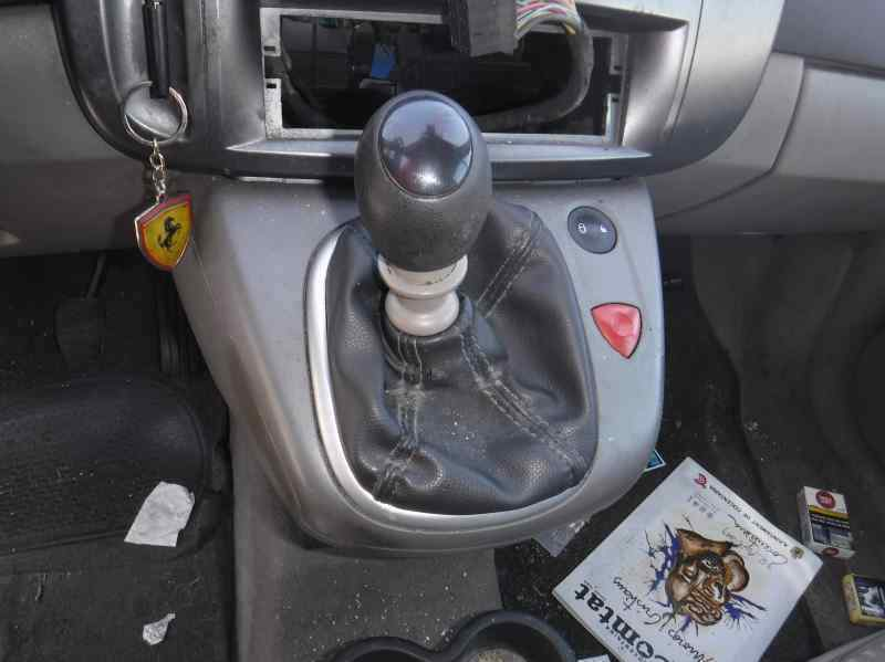 RENAULT SCENIC II Confort Authentique  1.9 dCi Diesel (120 CV) |   06.03 - 12.05_img_4