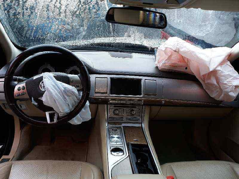 JAGUAR XF 3.0 V6 Diesel Premium Luxury   (241 CV) |   02.09 - 12.11_img_4
