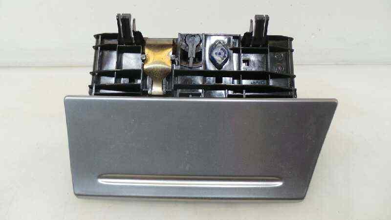 CENICERO FORD FOCUS CABRIO (CA5) Titanium (02.2008->)  2.0 CAT (146 CV) |   01.08 - 12.15_img_0