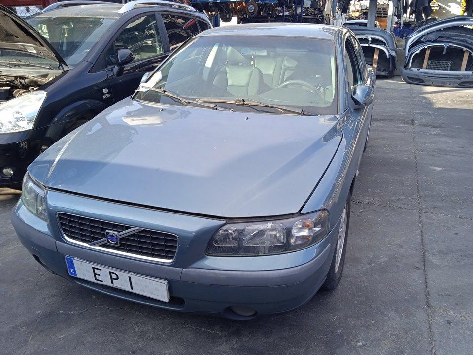 VOLVO S60 BERLINA 2.4  (103kW)   (140 CV)     07.01 - 12.04_img_0