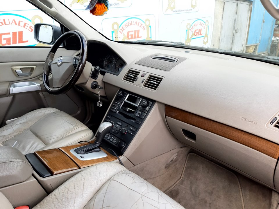 VOLVO XC90 D5 Kinetic (5 asientos) (136kW)  2.4 Diesel CAT (185 CV)     11.05 - 12.09_img_1