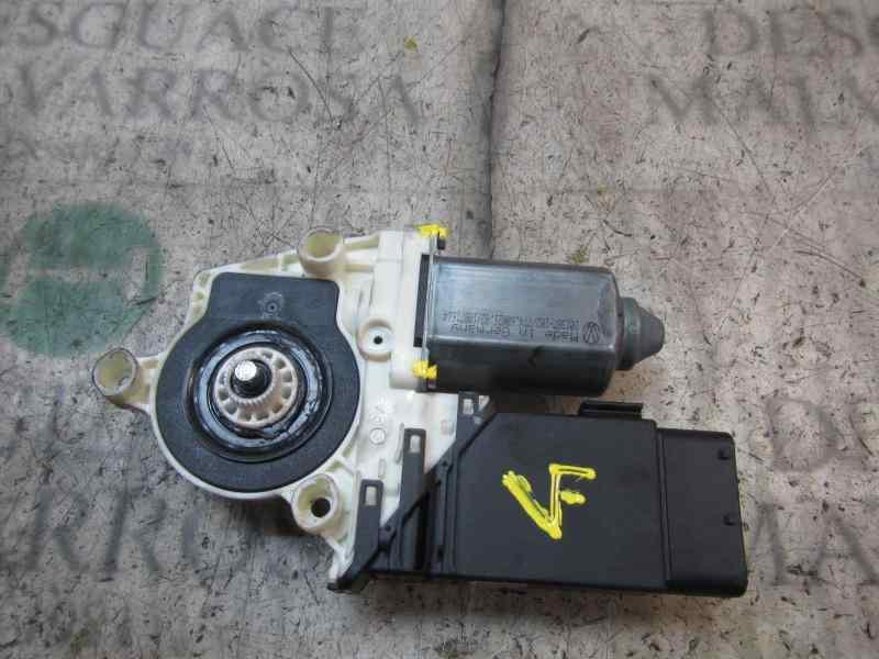 MOTOR ELEVALUNAS DELANTERO IZQUIERDO VOLKSWAGEN GOLF IV BERLINA (1J1) 25 Aniversario  1.9 TDI (110 CV) |   10.99 - 12.01_img_1
