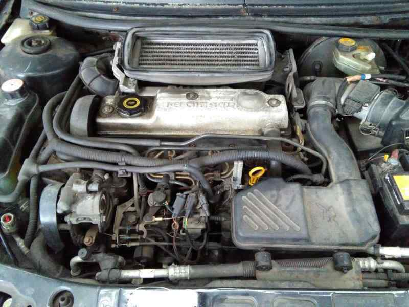 FORD MONDEO BERLINA/FAMILIAR (FD) CLX Berlina  1.8 Turbodiesel (88 CV) |   09.93 - 12.96_img_3