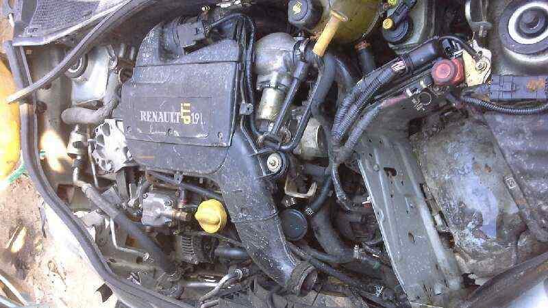 PILOTO TRASERO DERECHO RENAULT KANGOO (F/KC0) 1.9 dCi Diesel CAT   (80 CV) |   0.97 - 0.05_img_4