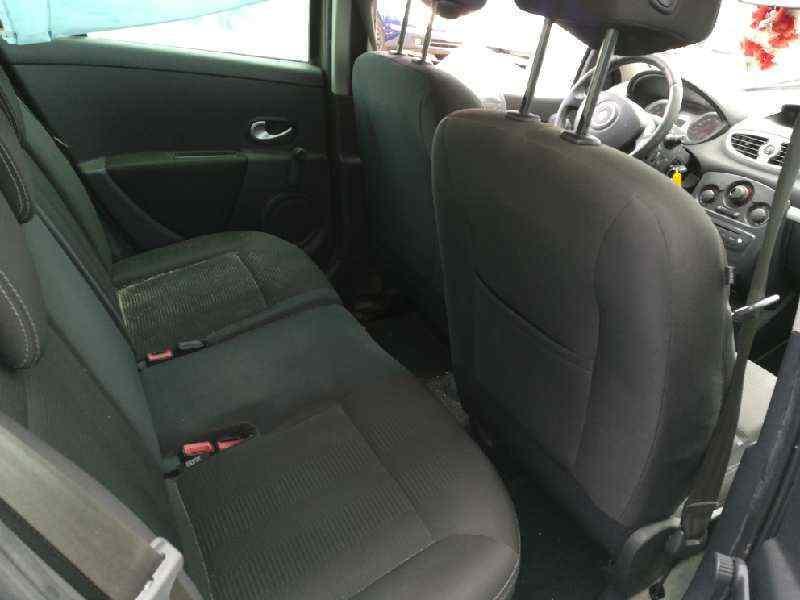 RENAULT CLIO III Authentique  1.5 dCi Diesel (68 CV) |   01.07 - 12.10_img_5