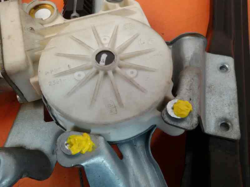 ELEVALUNAS DELANTERO IZQUIERDO FORD FOCUS BERLINA (CAK) Ambiente  1.8 TDDI Turbodiesel CAT (90 CV) |   08.98 - 12.04_img_2