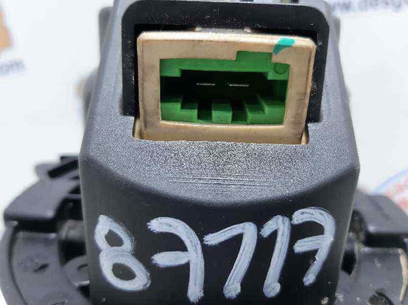 MOTOR CALEFACCION DACIA SANDERO Laureate  1.5 dCi Diesel FAP CAT (90 CV) |   10.12 - 12.15_img_4
