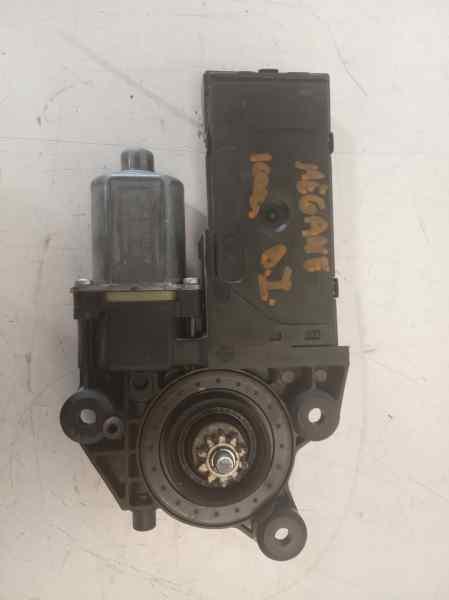 MOTOR ELEVALUNAS DELANTERO IZQUIERDO RENAULT MEGANE III BERLINA 5 P Expression  1.5 dCi Diesel FAP (110 CV) |   05.10 - 12.15_img_1