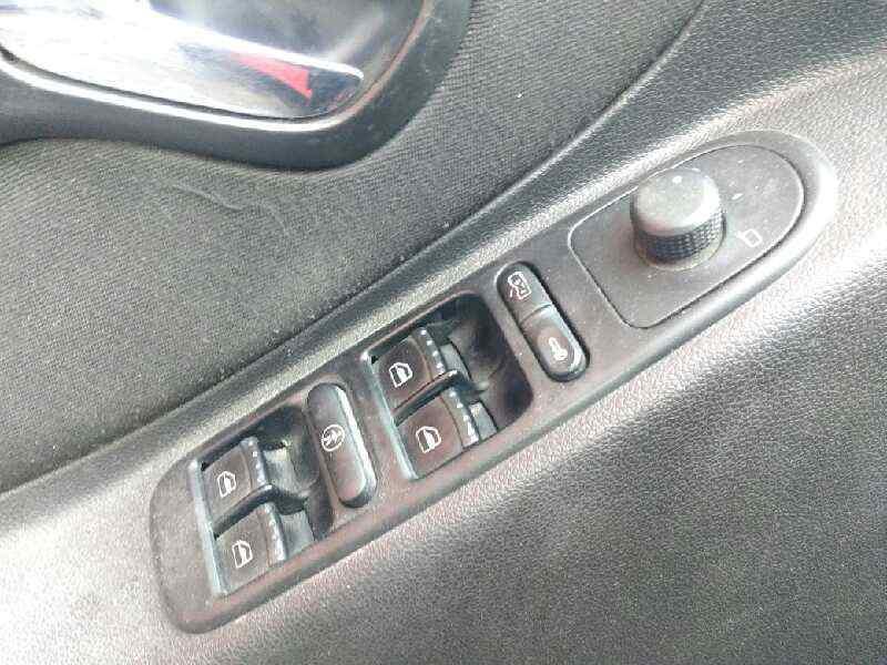 SEAT LEON (1M1) Sport F.R.  1.9 TDI (150 CV) |   04.02 - 12.05_img_3