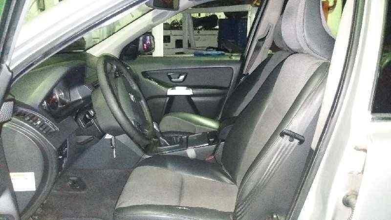 PARAGOLPES DELANTERO VOLVO XC90 D5 Kinetic  2.4 Diesel CAT (163 CV)     09.04 - 12.08_img_4