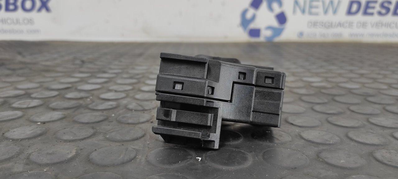 MANDO LIMPIA FORD FOCUS TURNIER (CAK) Ghia  1.8 TDCi Turbodiesel CAT (116 CV)     01.01 - 12.04_img_3