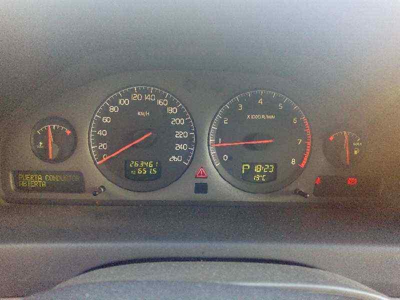 VOLVO XC70 2.4 T AWD Cross Country   (200 CV) |   07.01 - 12.02_img_5