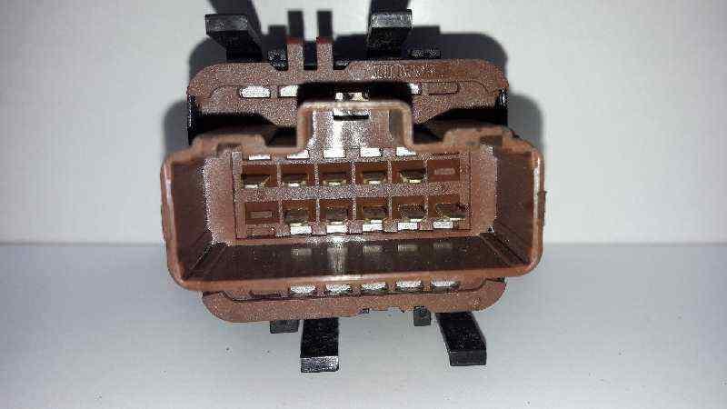 MANDO ELEVALUNAS DELANTERO IZQUIERDO  RENAULT MEGANE II BERLINA 3P Luxe Dynamique  1.9 dCi Diesel (120 CV) |   07.02 - 12.05_img_1