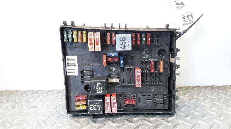 CAJA RELES / FUSIBLES AUDI A3 (8P) 1.9 TDI Attraction   (105 CV)     05.03 - 12.09_img_0