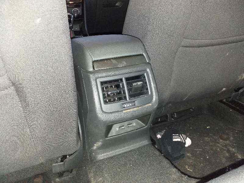 APOYABRAZOS CENTRAL SEAT LEON (5F1) FR Plus  1.4 16V TSI (150 CV) |   ..._img_2