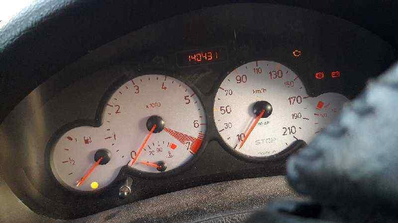 PEUGEOT 206 BERLINA GT  2.0 16V CAT (135 CV)     07.99 - 12.00_img_4