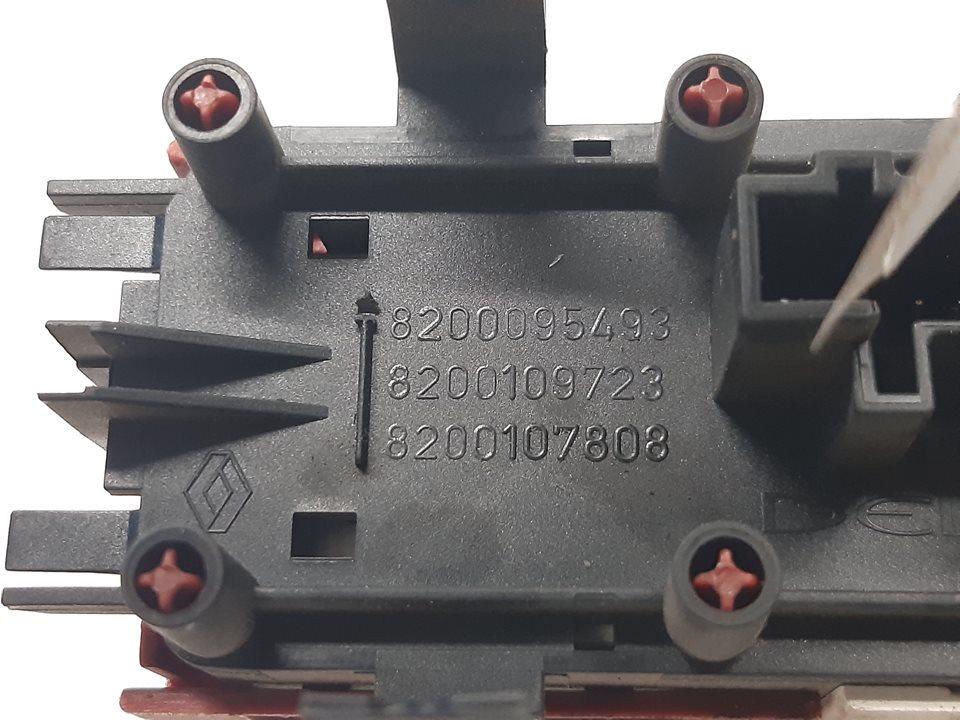 WARNING RENAULT MEGANE II BERLINA 3P Confort Authentique  1.4 16V (98 CV) |   07.02 - 12.06_img_3