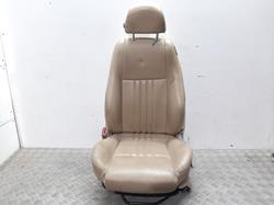 asiento delantero izquierdo