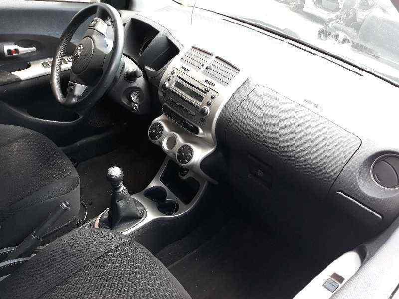 TOYOTA URBAN CRUISER Active  1.4 Turbodiesel CAT (90 CV)     03.09 - 12.11_img_5
