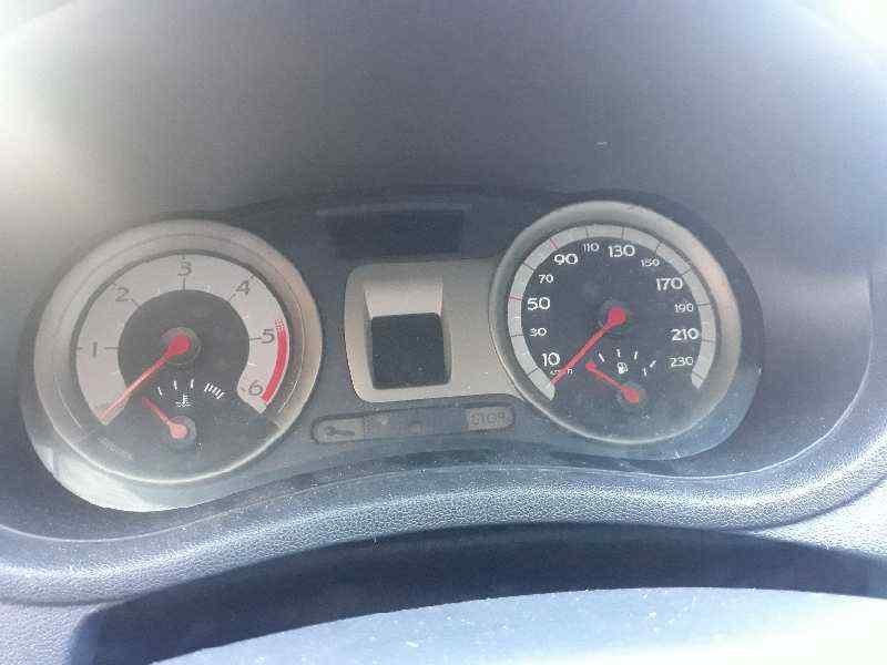 RENAULT CLIO III Confort Expression  1.5 dCi Diesel CAT (86 CV)     09.05 - 12.06_img_4