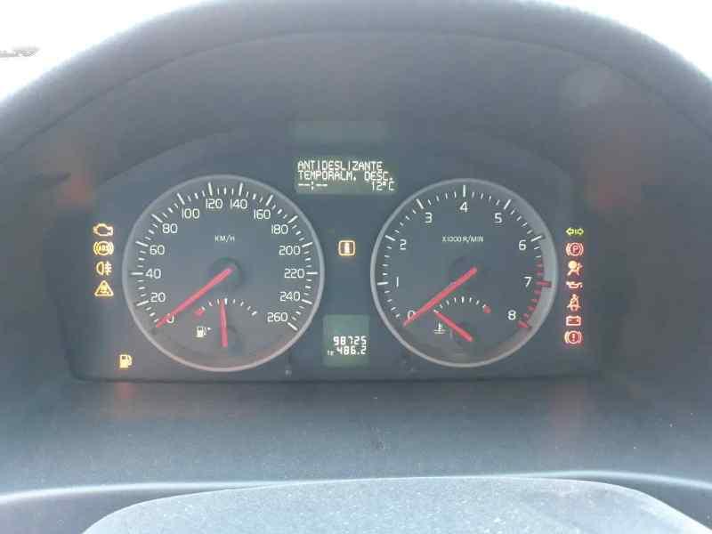 VOLVO S40 BERLINA 1.8 Momentum   (125 CV) |   04.04 - 12.10_img_1